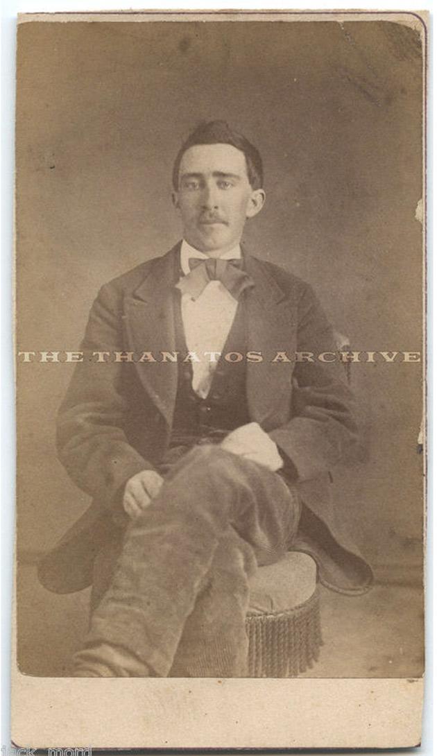 Un hombre afirma tener una foto que prueba que Nicolas Cage tiene más de cien años 2