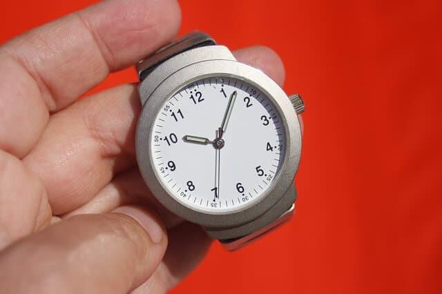 reloj 10:10