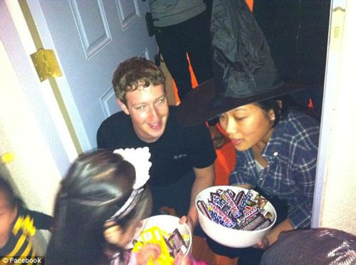Un fallo de seguridad en los servidores de Facebook permitió hoy una filtración de varias fotografías privadas de su presidente  Mark Zuckerberg 2