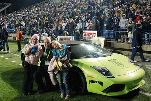 Un hombre gana un Lamborghini en un concurso y pocas horas después lo choca y lo destroza 2