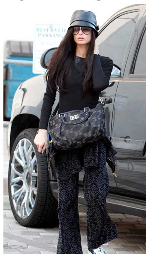 Paris Hilton se cansó de ser rubia y se tiñó el cabello 2