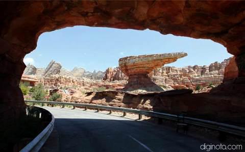 Cars Land el nuevo parque de Disney inspirado en la película del Rayo Mcqueen 3