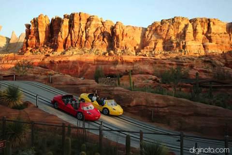 Cars Land el nuevo parque de Disney inspirado en la película del Rayo Mcqueen 0