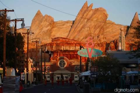 Cars Land el nuevo parque de Disney inspirado en la película del Rayo Mcqueen 5