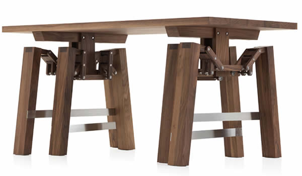 la mesa que camina