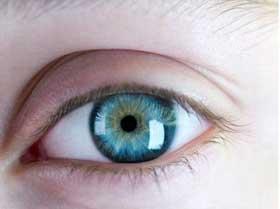 Photo of Científicos desarrollan un láser capaz de convertir ojos marrones en azules