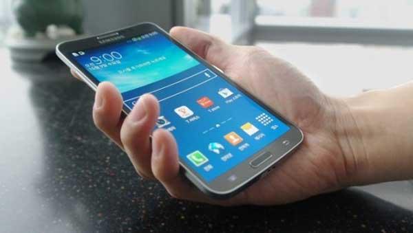 Photo of Samsung lanza el Galaxy Round con  pantalla curva OLED