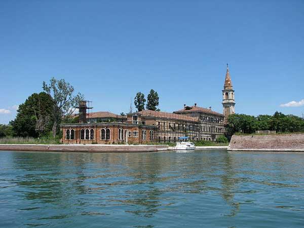 Una isla en  italia que nadie quiere visitar : Poveglia