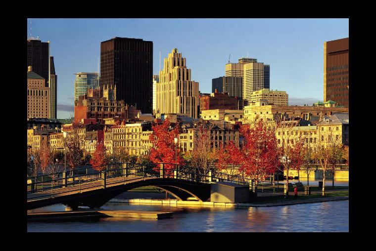 Montreal, Canadá Si quieres un toque de Europa, pero no tienes el tiempo ni el dinero para viajar allí, tu mejor opción es ir a Montreal. La gente es amable, la comida es excelente y hay un sin fin de actividades o lugares para explorar. América del Norte nos presenta uno de sus mejores escenarios.