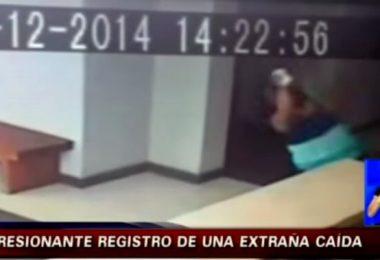 Video donde un fantasma ataca a una mujer