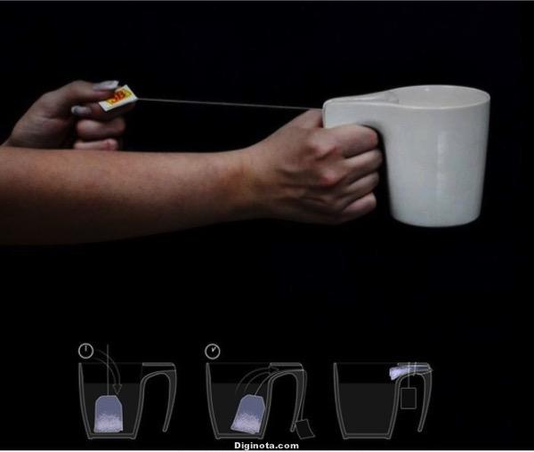Tasa:  que exprime las bolsas de té.