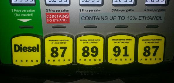 Recuerden la 91 es gasolina premiun y la 95 es la super, en otros países