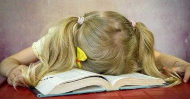 La ONU busca prohibir hacer tareas escolares en todo el mundo