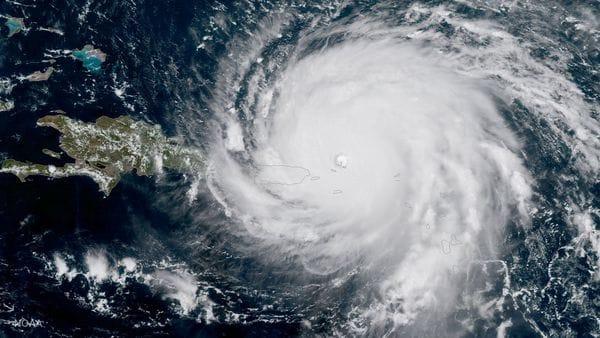 imagen satélite huracán
