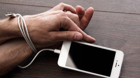 Photo of Consejos y trucos: Para que tu niño no se convierta en un adicto al Smartphone